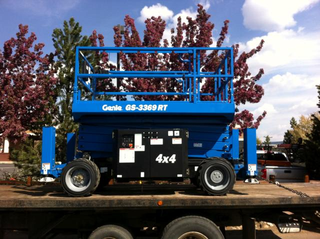 Where to find SCISSOR LIFT 4WD 33  WITH OUTRIGGERS in Durango